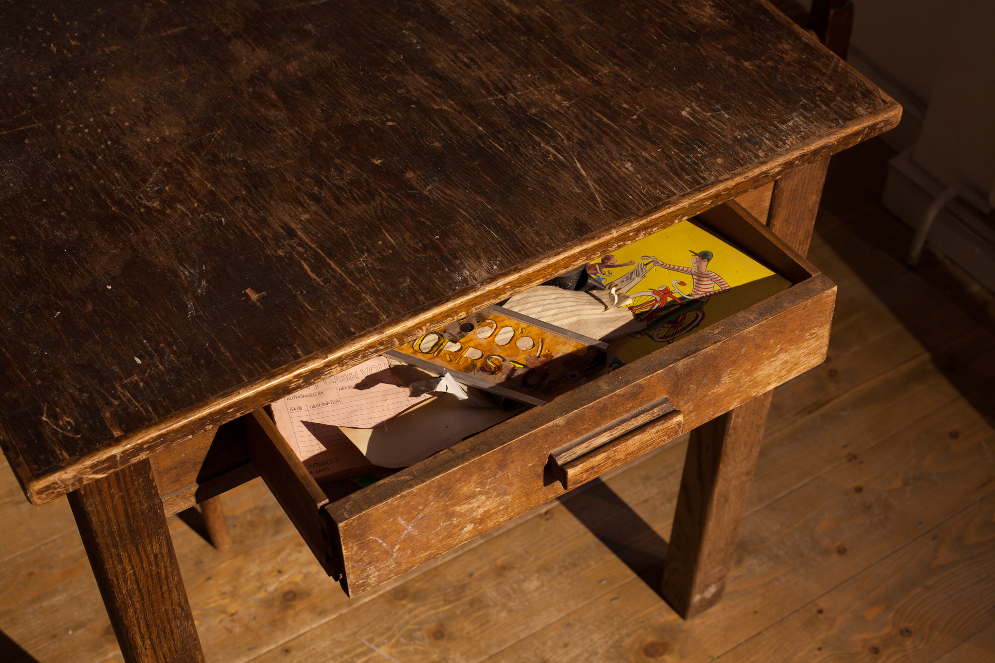Katrina Palmer Dr Sinclair's Drawer, 2014. Photo: Reuben Henry (DR SINCLAIR'S DRAWER 	 0)