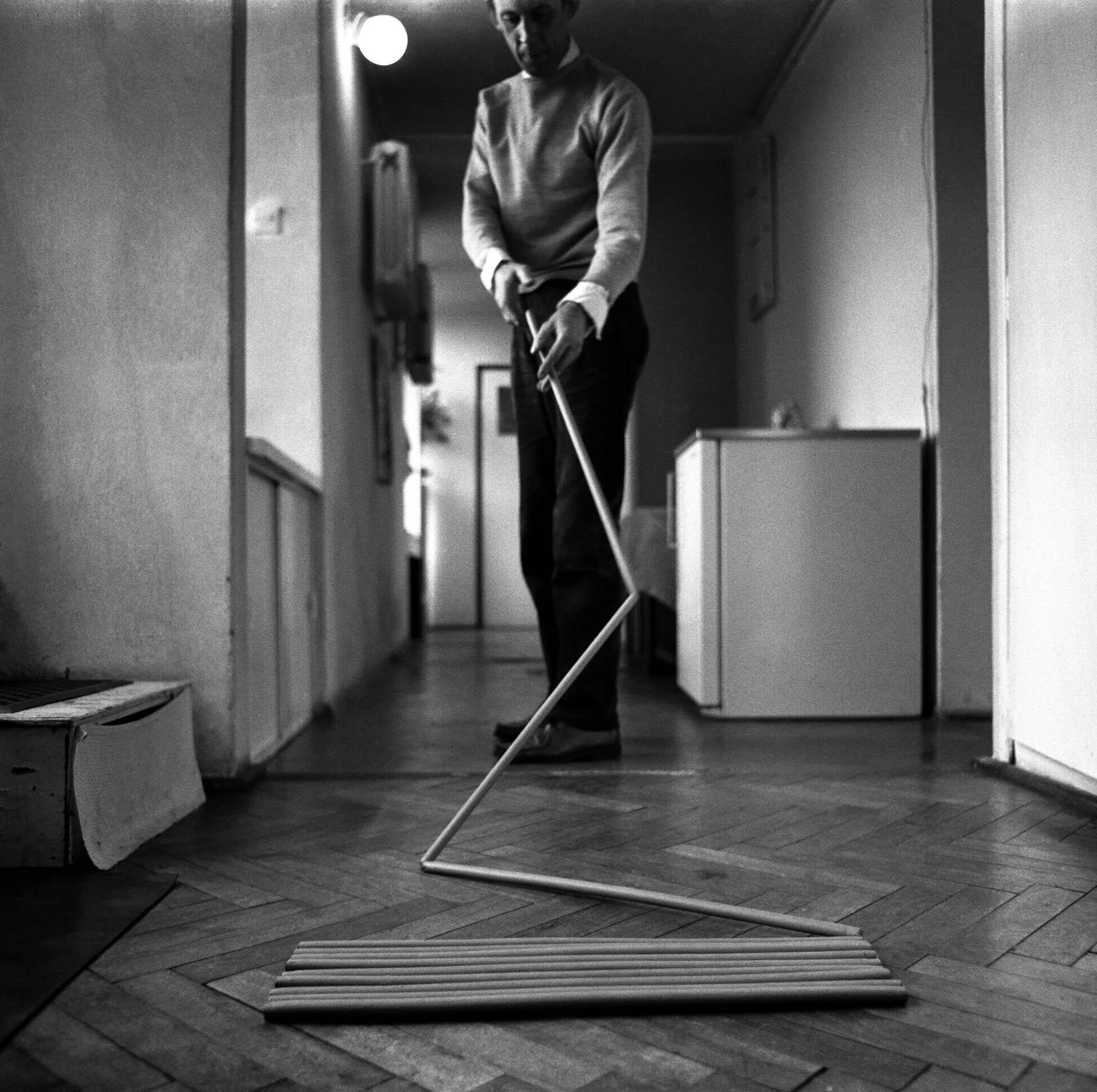Photo by Eustachy Kossakowski ©Hanna Ptaszkowska and archive of Museum of Modern Art Warsaw  (Edward Krasiński 4)