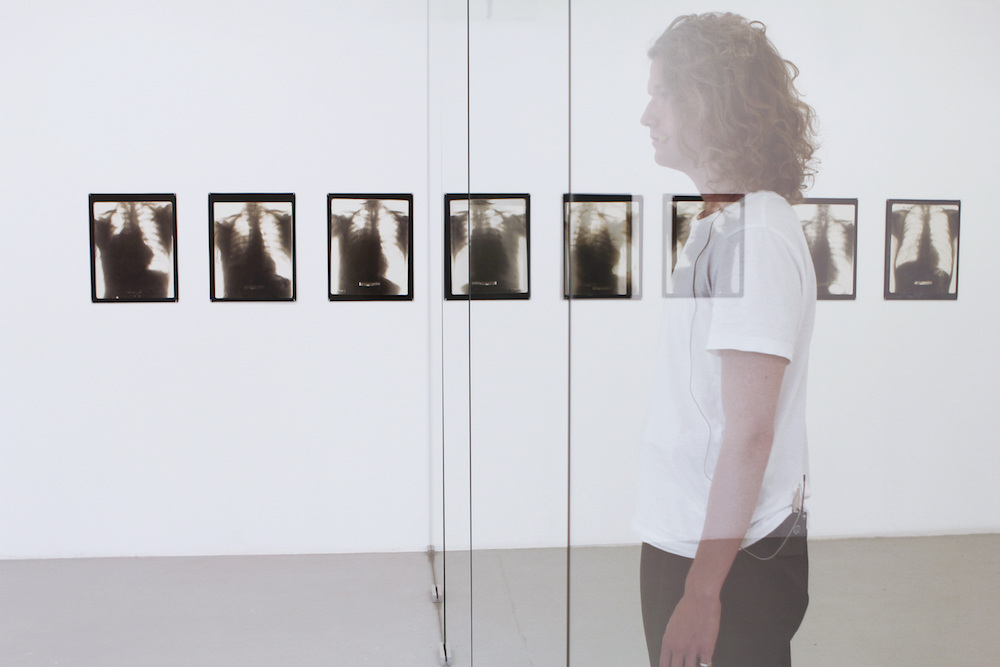 Lina Hermsdorf, 'Vantage Point', installation view, Künstlerhaus Bremen 2017. Performer Casper-Malte Augusta. Photography: Fred Dott and Lina Hermsdorf. Courtesy the artist. (Lina Hermsdorf - State 0 1)