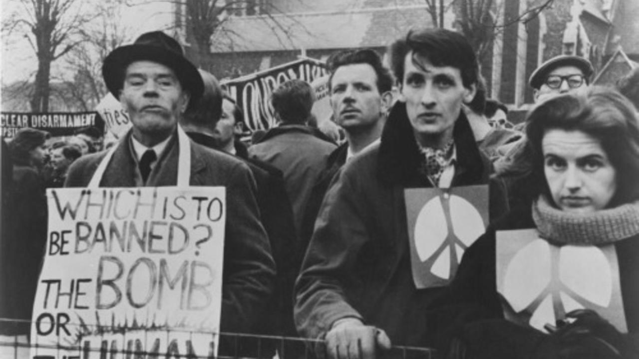 LINDSAY ANDERSON, MARCH TO ALDERMASTON, 1959. COURTESY BFI (The Psychopathic Now! 1)