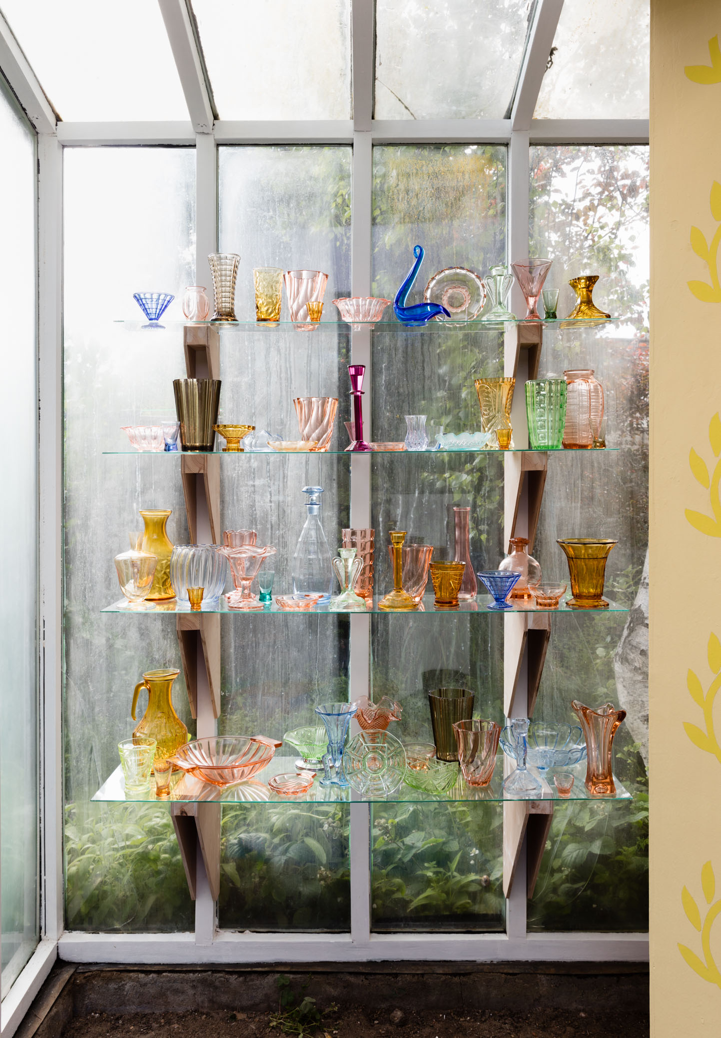 Marc Camille Chaimowicz, 69 Pieces of Coloured Glass (For BP), 2016 (Tears Shared 8)